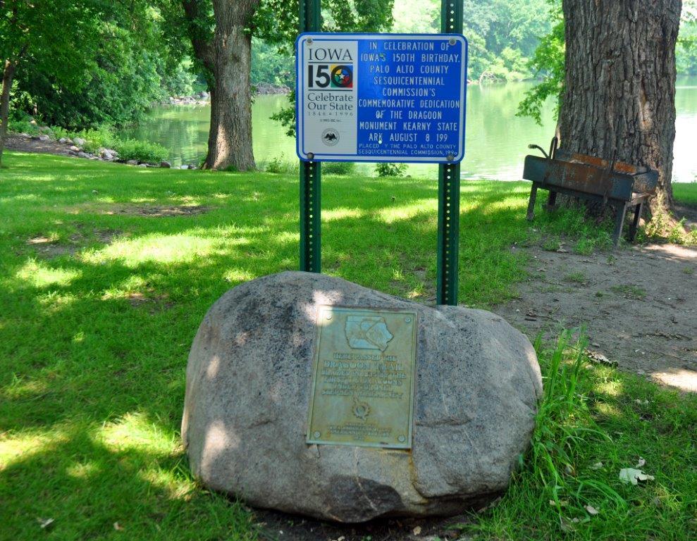 dragoon-monument-kearney-state-park-emmetsburg